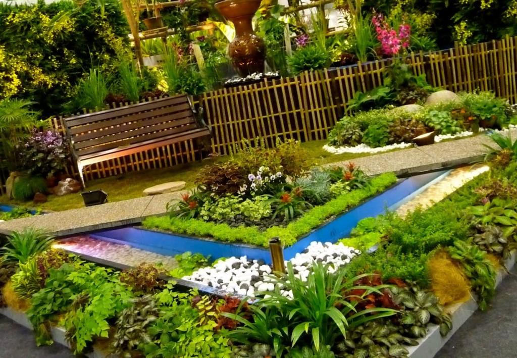 Çiçekli Bahçe Dekorasyonu