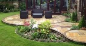 Bahçe Dekorasyonu İle Renkli Dünyalar